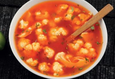 Pórková polévka s květákem